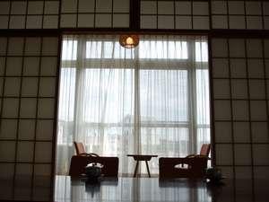 和室 いらしゃいませm(__)m ゆっくりくつろいで下さい。