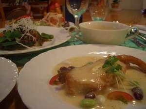 夕食は家庭風フランス料理です(一例)