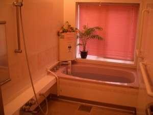 ピンクでかわいいお風呂