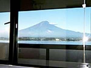 富士山を眺めながら入浴も!
