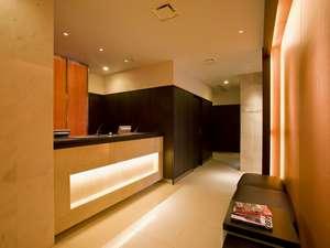 ☆【ホテルフロント】クリーニング、宅急便、備品の貸出などお気軽にお申し付けくださいませ。☆