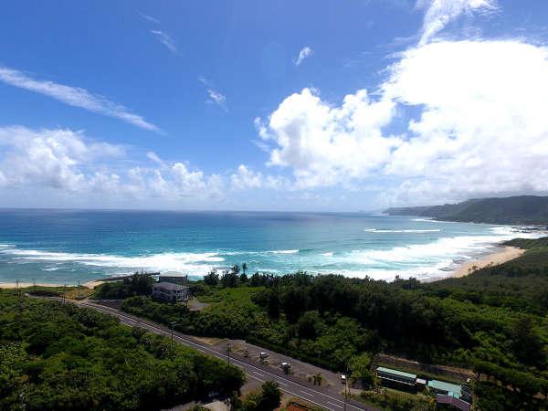 【ビーチ】ビーチは目の前!年間数多くのサーファーが訪れます♪