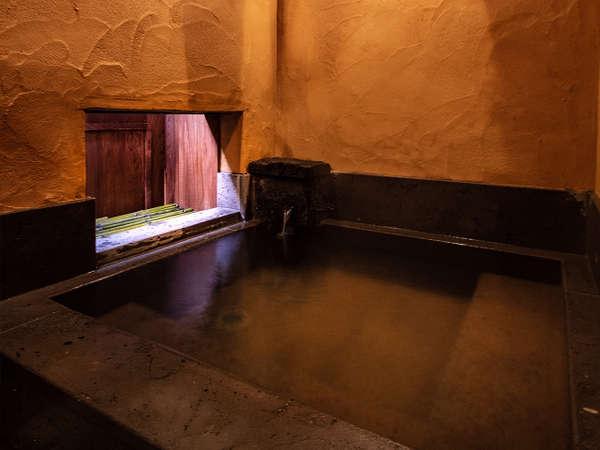 【貸切家族風呂】深夜もご利用頂ける館内貸切内風呂です。早朝・深夜も周りを気にせずご利用いただけます。