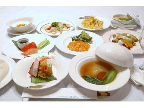 フカヒレやエビなどの厳選素材をいかした豪華なホテル中華ディナー