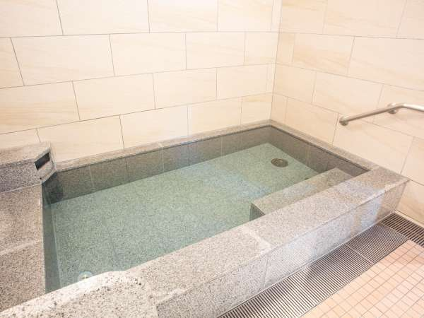 【浴場】露天風呂(ご利用時間/18:00~23:00 / 6:00~9:00)