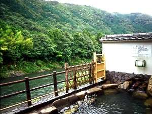 長良川を望む露天風呂