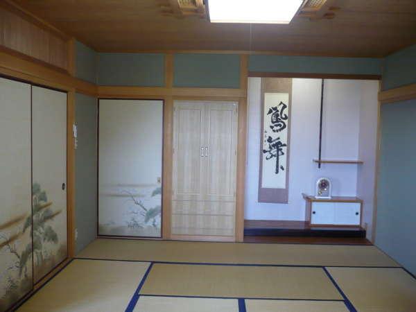和室(10畳)、床の間・縁側あり