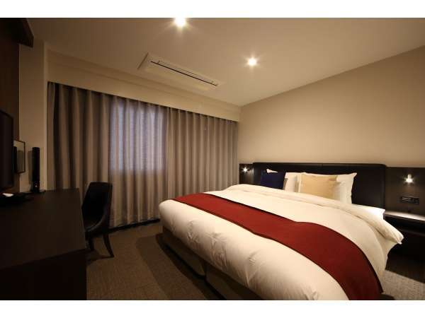 スーペリアダブル【17平米/ベッド幅180cm】