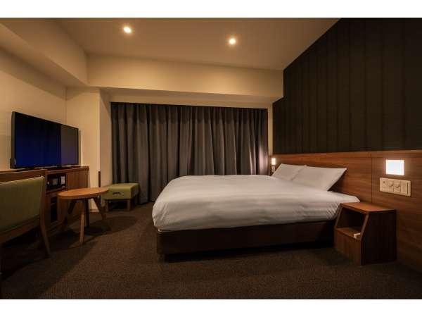 ◆【禁煙クイーン】広さ 20平米 シモンズ社製ベッド(160×195㎝)TV43inch