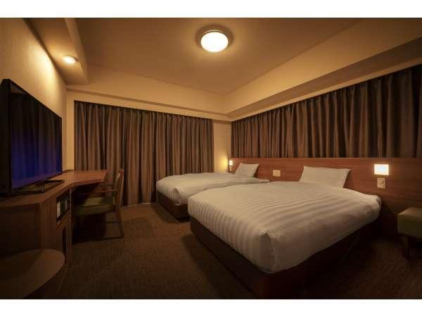 ◆【禁煙ツイン】広さ 21平米 シモンズ社製ベッド(120×195㎝)2台 TV43inch