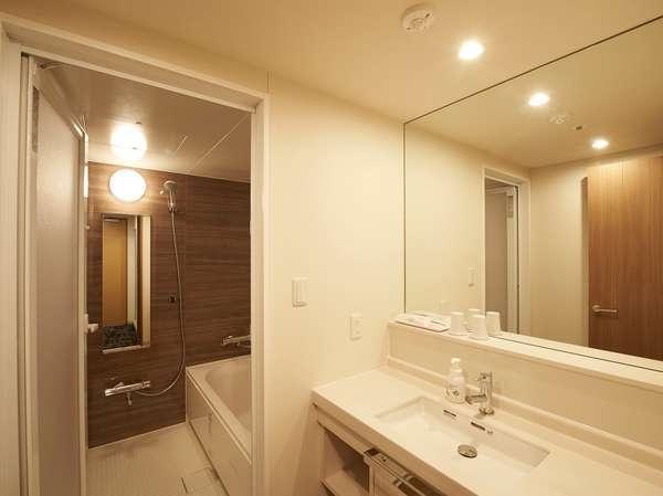 【客室・風呂】バスルーム(三点独立式)デラックスツインのみのご用意です。