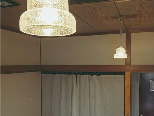 ≪コンセプトルーム≫和室8畳内装をアレンジしたお部屋のランプ