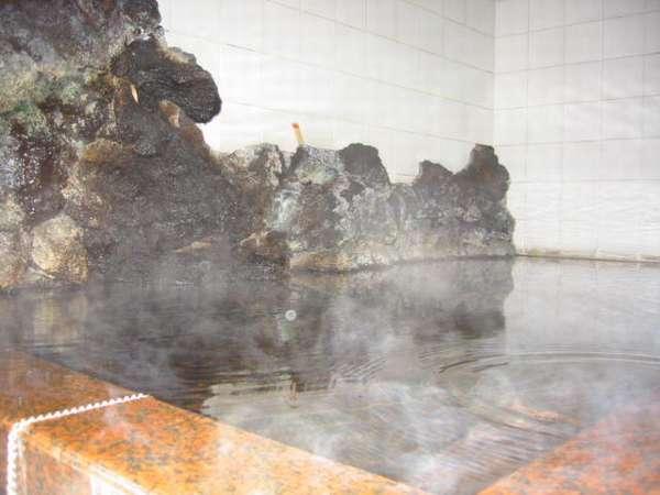 【箱根宮ノ下温泉 晴山荘】地元の食材を使用した会席料理と、アットホームな雰囲気が自慢です