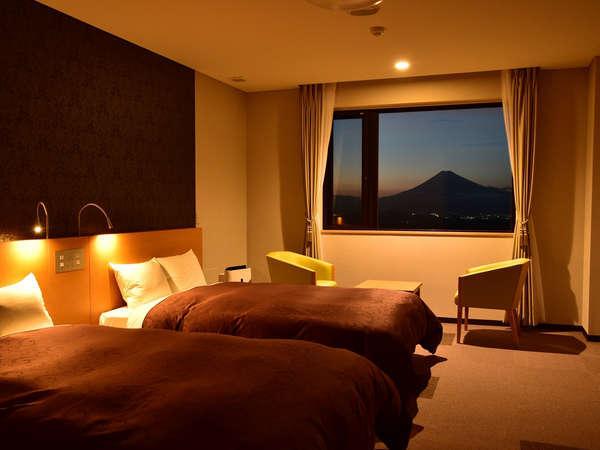 【富士陽光ホテル】大自然のパノラマが広がる絶景のアルプスと富士山