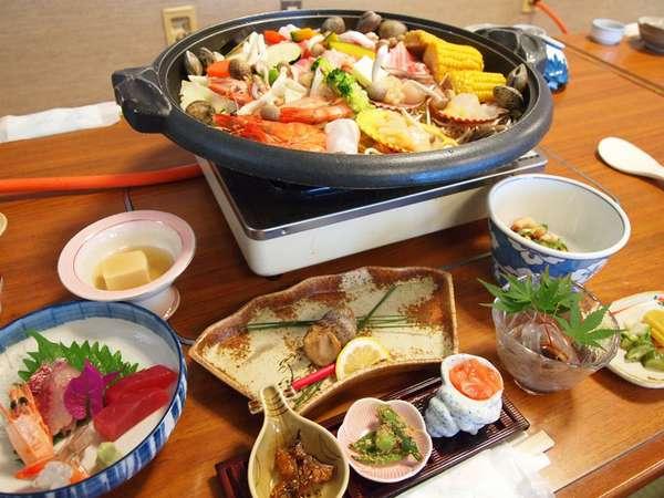 <海賊蒸し>魚介類・自家製野菜・お肉を使ってボリューム満点♪