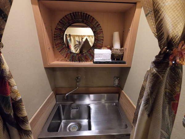 【洗面台】2階