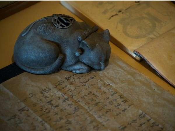 谷崎純一郎「猫と庄造と二人のをんな」には、主人公が御所坊を訪ねる一節が
