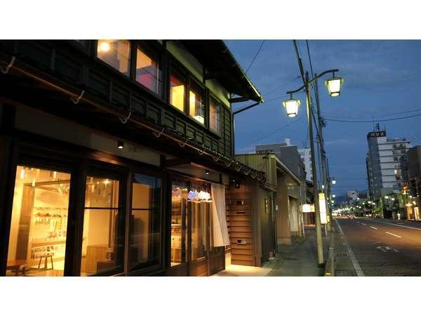 寺町通 外観 夏の夕暮れ
