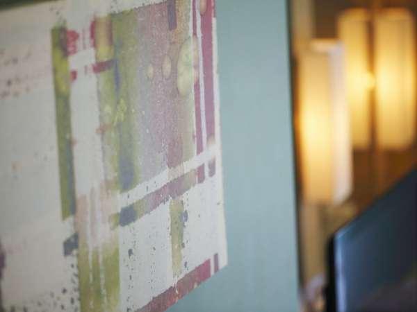 華やかさ、粋、遊びごころを表現し、各部屋が印象に残る空間デザインになっています