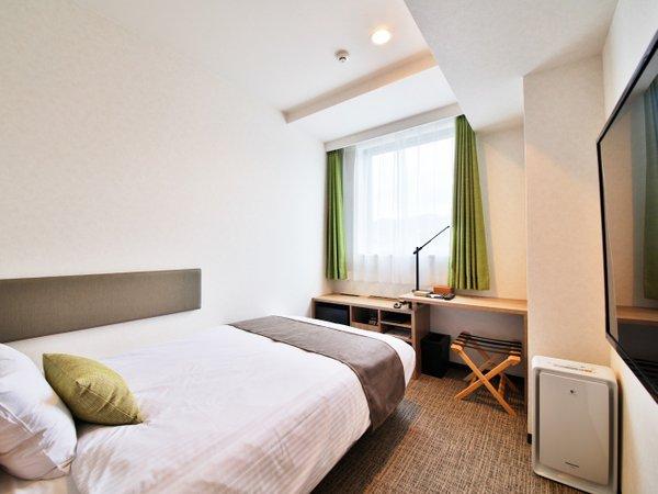 ベッド幅120cmのシモンズベッド1台のシングルルーム 全室禁煙