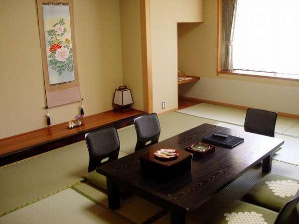 ゆったりくつろげる和室となります。