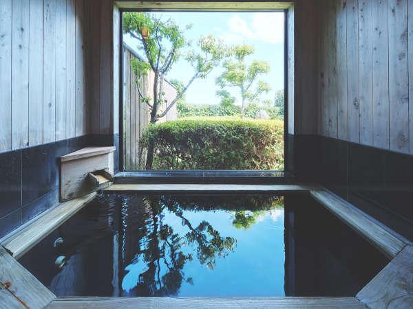 客室内風呂例