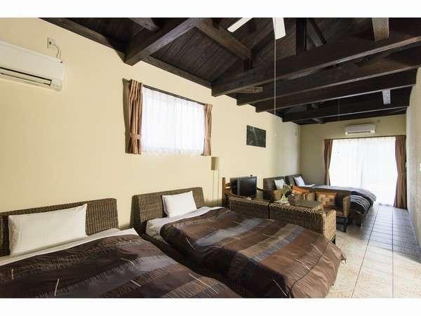 お部屋は全てアジアン家具で揃えています