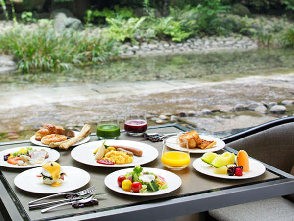 「リストランテ カフェ チリエージョ」季節の食材を豊富に使用した洋食ブッフェをお楽しみいただけます。