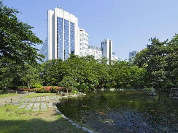 日本庭園の四季折々の表情とともに、ごゆっくりとおくつろぎください。