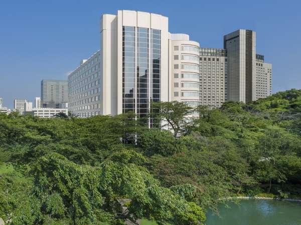 [ザ・プリンス さくらタワー東京]日本庭園の四季折々の表情とともに、ごゆっくりとおくつろぎください