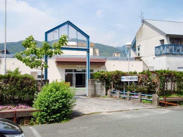 #【外観】当館は、琵琶湖のほとりに建つ青少年の家です。