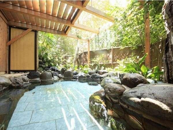 <露天風呂やんも>良質温泉で開放感のある露天風呂