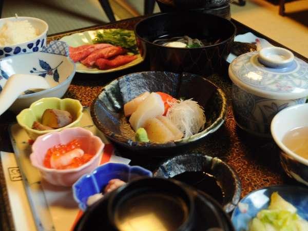 ◆夕食一例。季節の山の幸や川の幸をふんだんに。