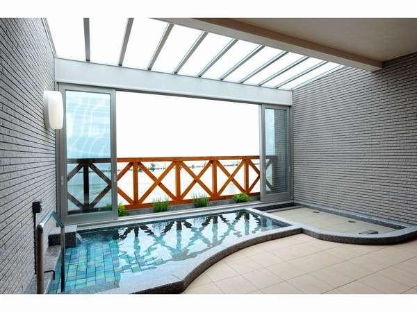琵琶湖を臨む露天風呂2