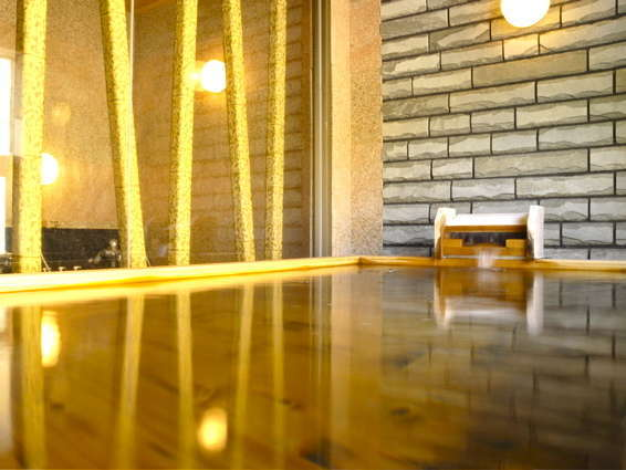 大浴場「日蓮の湯」米ヒバと十和田石のお風呂