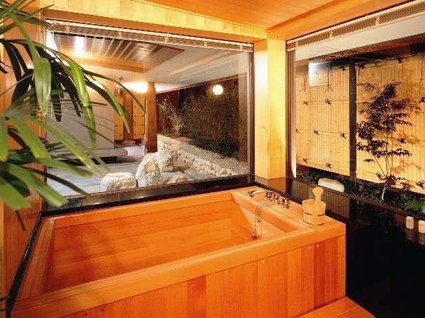 和室スイート/檜風呂