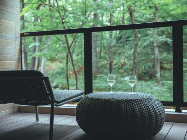 「スイート type A」(52平米)新設のプライベート露天風呂付き客室。