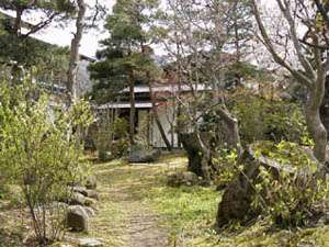 【青松館】閑静な和風旅館、保養・ビジネス・観光の基地としてご利用下さい。