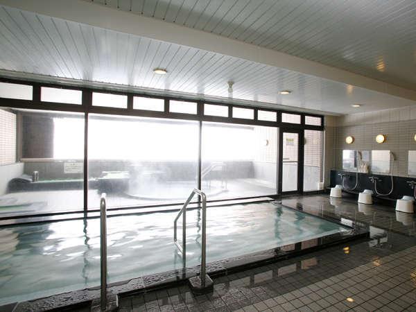 大浴場『ときわ湯』宿泊者無料。内湯・露天風呂・サウナ※客室4Fより連絡通路あり