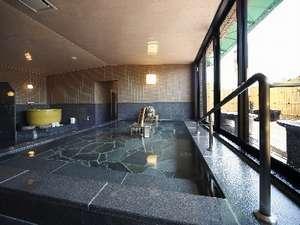 【大浴場】季節によって「ゆず風呂」「備長炭風呂」がお楽しみいただけます。