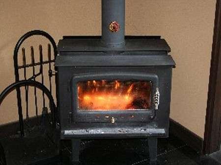 【ロビー】冬に大活躍の暖炉