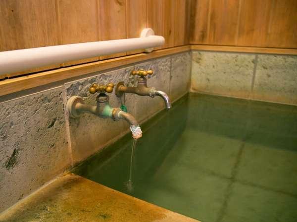 【源泉かけ流し温泉客室風呂】