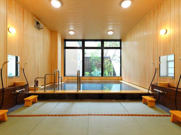 檜を張替え新たにリニューアルした女性用大浴場
