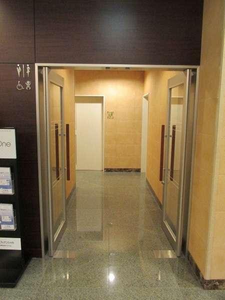 共用トイレ入口