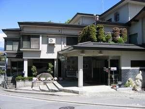 【旅館 丸山の湯】山間にひっそりとたたずむ、家庭的な和風料理旅館