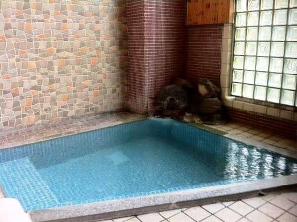 お風呂(内湯)の温泉はかけ流しで、きれいな下呂のお湯を楽しめます。