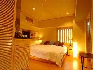 ホテル階上【和風貴賓室松園】(寝室&和室)◇寝室としての洋室にはキングサイズベット完備!