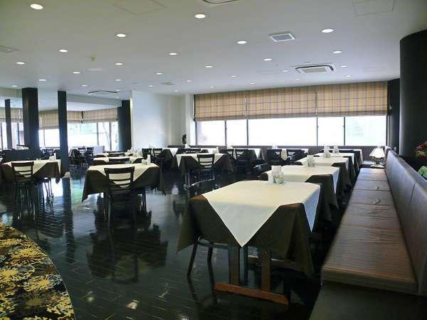 ◇2階「レストラングランド」