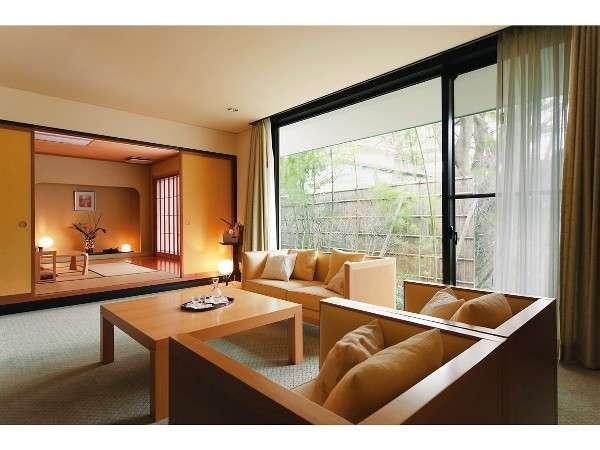 香 リビング15畳 お部屋からは清らかな五百川と、四季の移ろいを楽しめます。