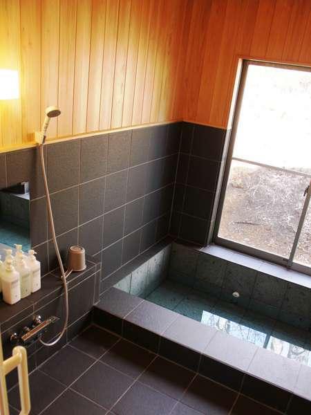 お風呂棟浴室。